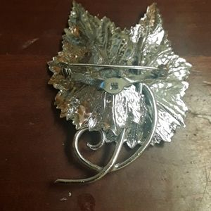Cosmo Coro Jewelry - Coro vintage silver leaf broach